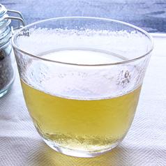 「飲むサラダ」として有名なマテ茶。健康的な飲み物として広く普及しています。今回はマテ茶が含む栄養と、飲食店が扱っているマテ茶のメニュー、今日から生活に取り入れる方法をご紹介します。